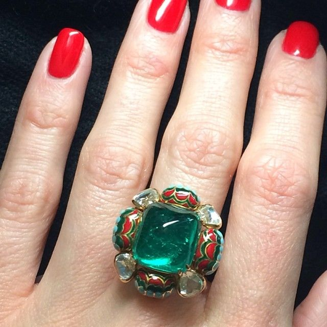 Sugarloaf Colombian emerald ring #enamel #emerald #finejewelry