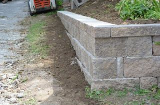 xls file - Design of retaining wall - Civil engineering program