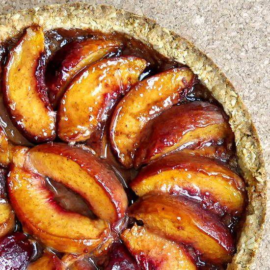 Upside Down Peach Crumble Pie