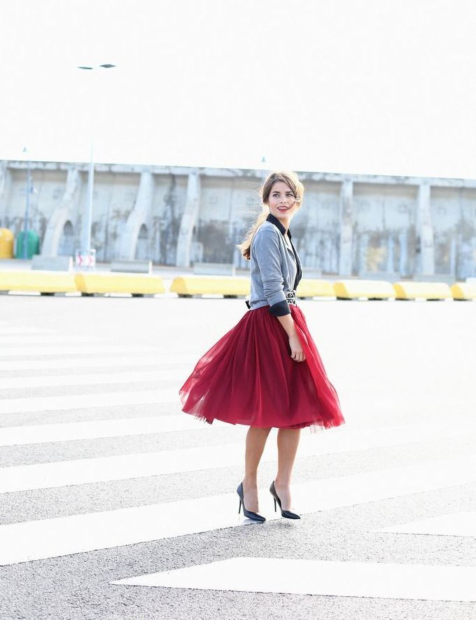 Seams For A Desire's Jessie Chanes in Maroon Tulle Skirt #MelBoteri #OnTheBlog