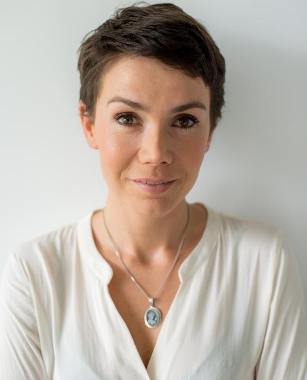 Olga Bołądź i jej superkrótka fryzurka.