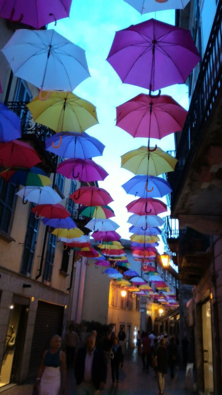 Ombrelli ad Arona #arte #madeinitaly