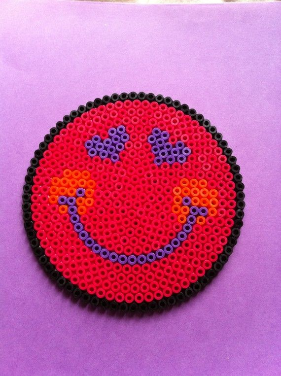 39 best images about perles hama on pinterest snowflakes - Perle a repasser smiley ...