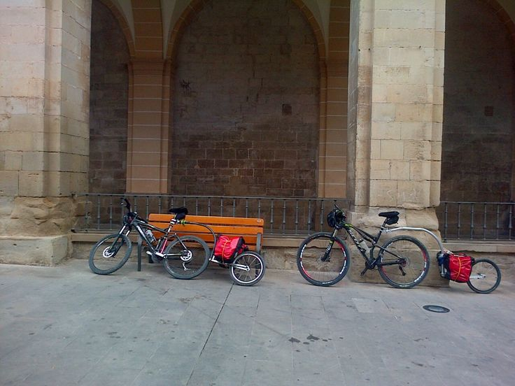 dos evos viajando juntos hacia Santiago
