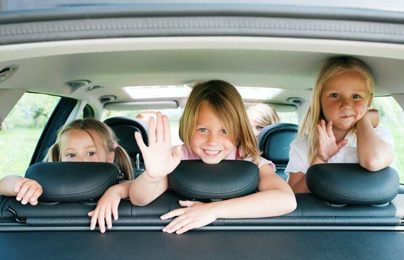 Собираетесь с семьей в путешествие на своём автомобиле?! Дети часто трудно переносят длинные расстояния, так что для комфортной поездки не забудьте вовремя продиагностировать и поремонтировать при необходимости Ваш кондиционер.  Не забудьте также очистить систему кондиционирования от болезнетворных бактерий и грибков. С этой задачей прекрасно справится озонатор воздуха. Можно обратиться в сервисы, предоставляющие такую услугу или приобрести такой аппарат в собственное пользование…