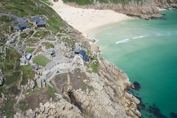 CORNWALL - #Hotel & #SelfCatering in #Cornwall for families, featuring #Bude, #Camelford, #Padstow, #Newquay, #Penzance, #Truro and #Looe and more. #Family rooms that sleeps 5 or more. #FamilyBreak #FamilyHoliday