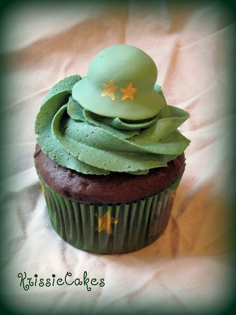 Braeden's 7th Birthday Army Cupcakes by KrissieCakes, via Flickr