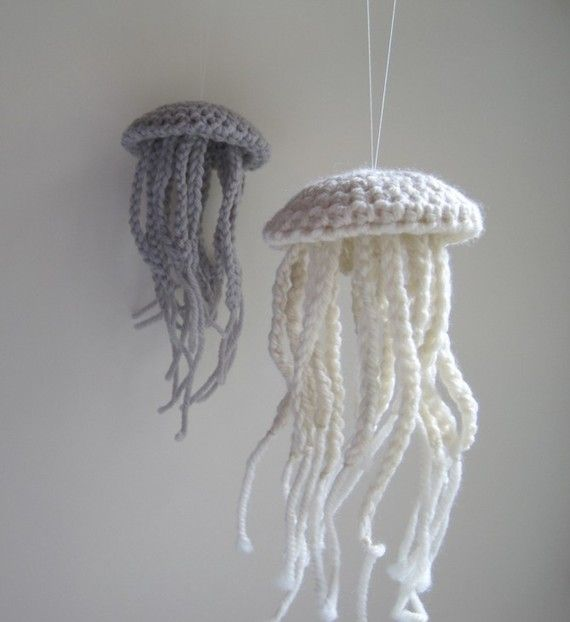 """Crochet and braid jellyfish- If I had a beach house, these would be hanging in the """"under the sea"""" bedroom!"""