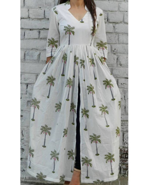 Palm tree block printed white cape  |  Shop now: www.thesecretlabel.com