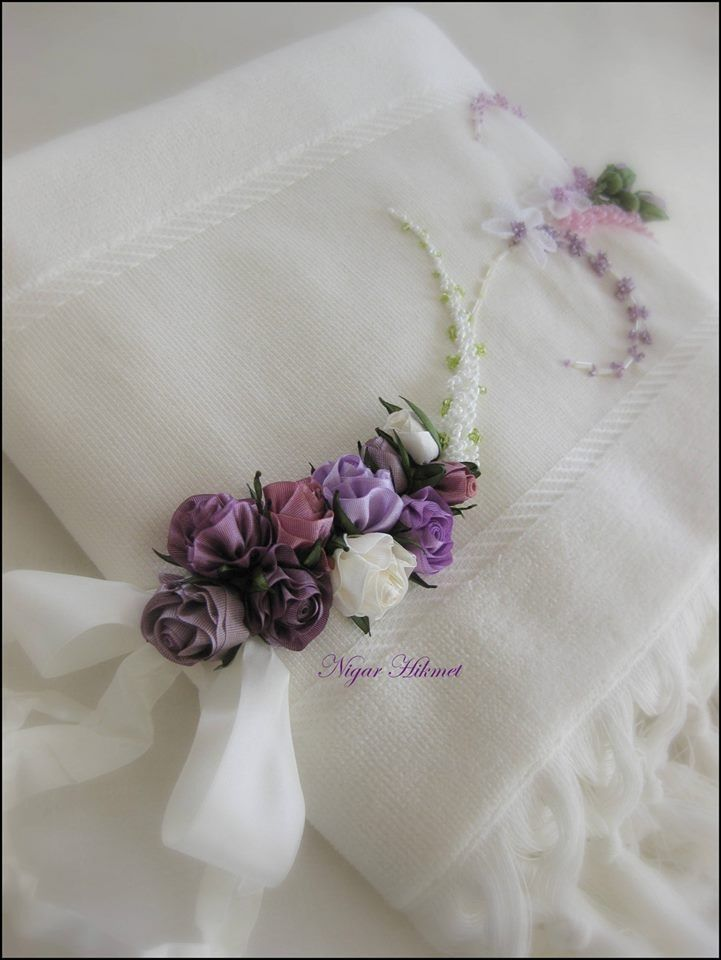 Ribbon flowers, Nigar Hikmet, towel