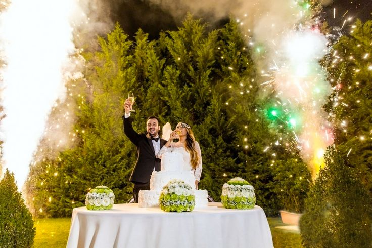 Il concetto di Matrimonio inteso come unione di due persone, esiste fin dal'antichità, con forme e regole diverse che si sono evolute nel corso dei secoli. Il temine matrimonio deriva dal latino Ma…
