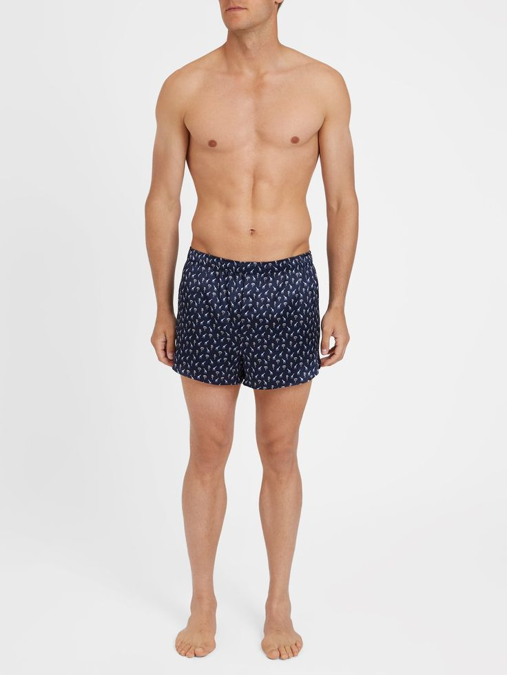 Our men's modern fit Brindisi 18 boxer shorts in Navy offer a contemporary  fit and are