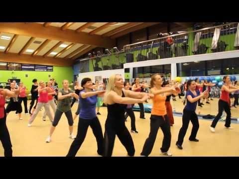 Kasia Koś - Zumba fitness - Ona tańczy dla mnie (Weekend) - YouTube