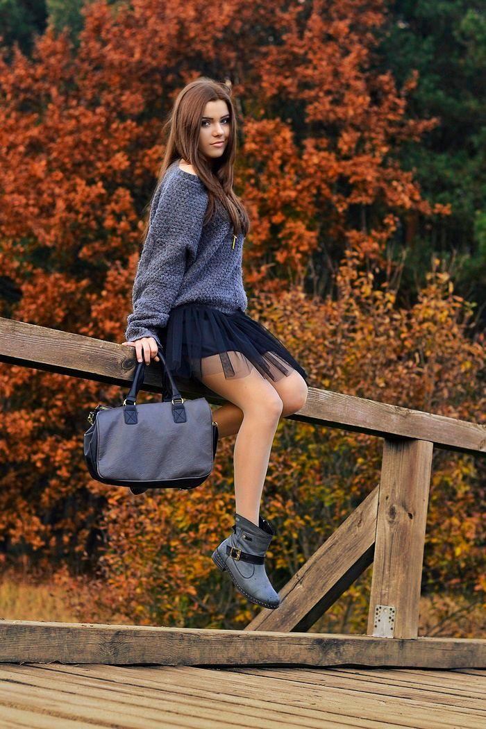 Siostry Andrzejewskie: Patrycja #fetishpantyhose #pantyhosefetish #legs #heels #blogger #stiletto #pantyhose #tan