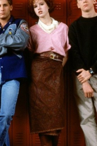 I love Molly Ringwald's outfit in The Breakfast Club SO MUCH!