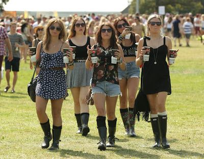 festival looks... how easily you can rock your hunter boots