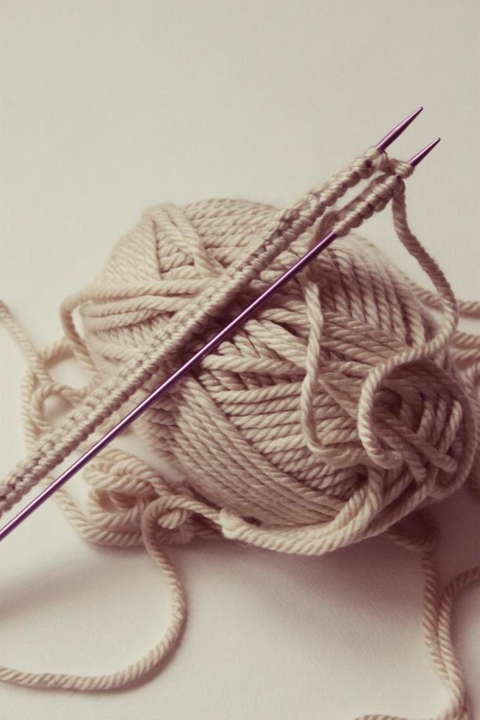 Knit Wit: 5 Resources for Knitting Beginners