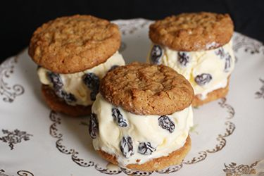 Anzac Biscuit and rum and raisin icecream sandwiches – Recipes – Bite