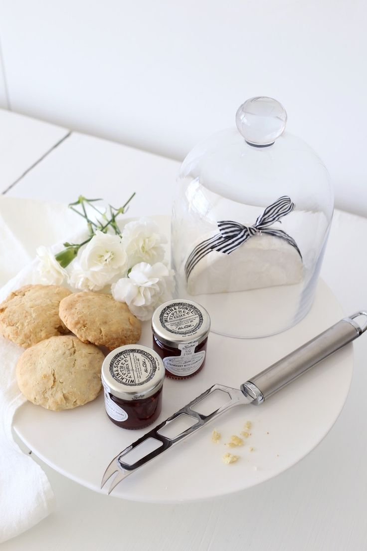 Homevialaura | Inspiration for Mother's day | Afternoon tea | Apple scones with Castello Creamy White cheese