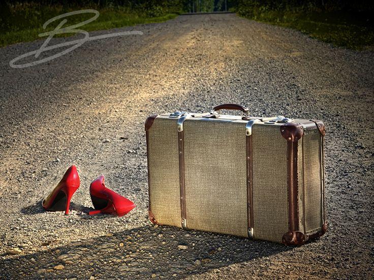 Bavul. B'gitmek var bu işlerde.. Bavulları toplamak, gezmek, görmek ve tanımak.. Ruhu anarşist, ruhu gezgin bu B'nin. İşte bu sebeple bu B bir bakıma bavulun B'si.