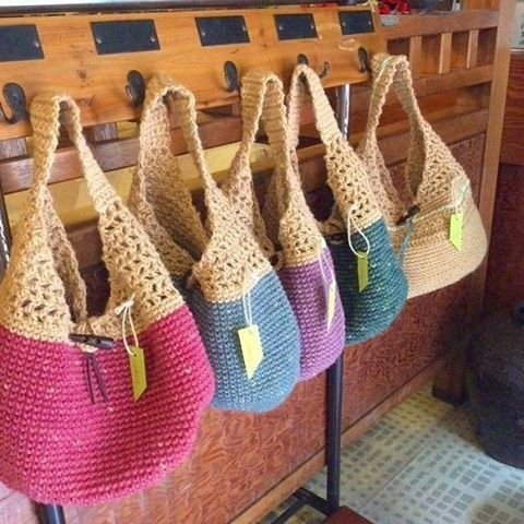 Hayırlı geceler ��️ . . ✳️ #pinterest gezilerimden �� . . #crochet#instaknit#handsandhustle#instacrochet#örgü#10marifet#knitting_inspiration#knit#handknit#elişi#penyeip#handmade#knitted#handwork#craft#crocheting#virka#crocheting#knitting#yarn#elemeği#strikking#knitstagram#amigurumi#elemegi#knittingaddict#ganchillo#crochetmood#yarnaddict#keyifliiblogger http://turkrazzi.com/ipost/1516227425985658327/?code=BUKuM-ElH3X