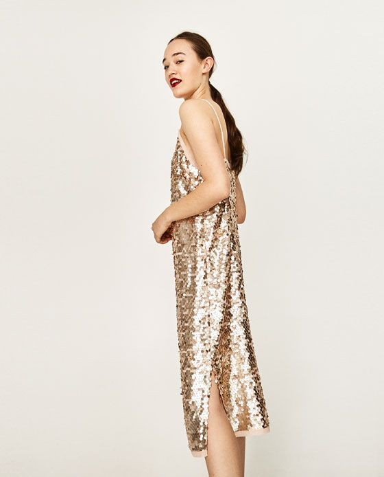 ROBE À PAILLETTES de Zara 70€