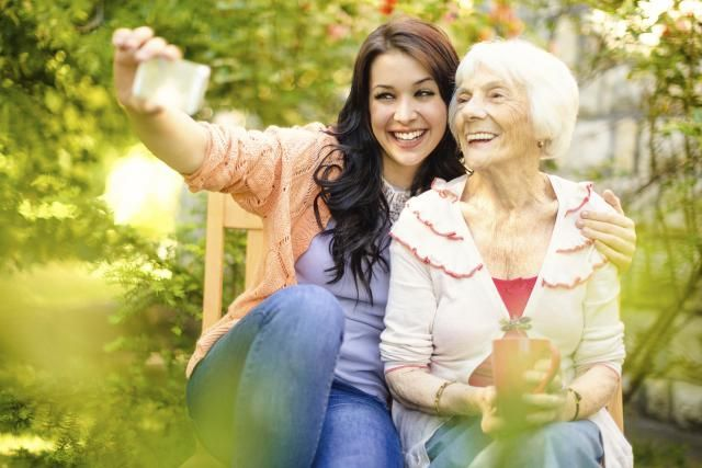 Got Lewy body dementia or know someone who does? Start with these 8 tips on how to cope with Lewy body dementia.