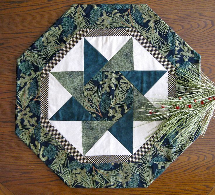 Free! Stella Table Topper Pattern | Twisting Star Table Toppers, pattern by Carla Brinkman