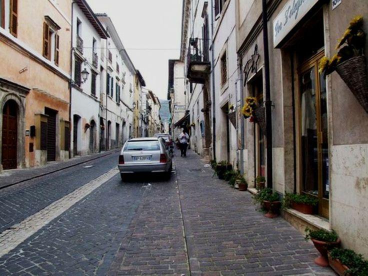 Una strada a Cittaducale [street]
