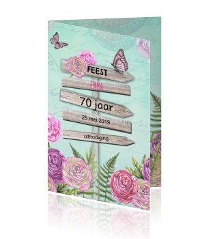 Romantische verjaardagskaart mint groen met wegwijzer 70 jaar