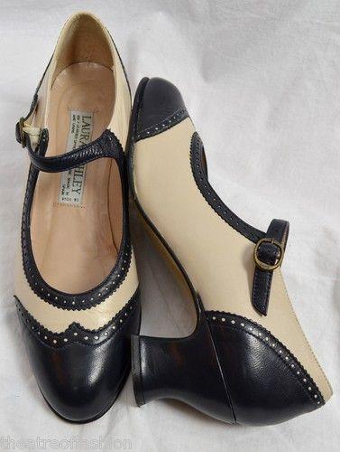 oooh I want these..... Vintage Laura Ashley's...20's style...ahhhh