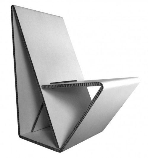 Vouwwow-Cardboard-Chair-by-Maartje-Nuy-and-Joost-van-Noort.jpg (500×532)