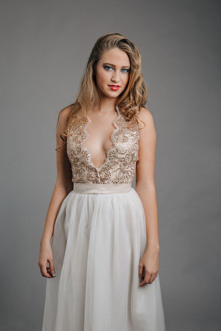Gold Wedding Dress!   #wedding #dress #gold #white #lace #kefashion