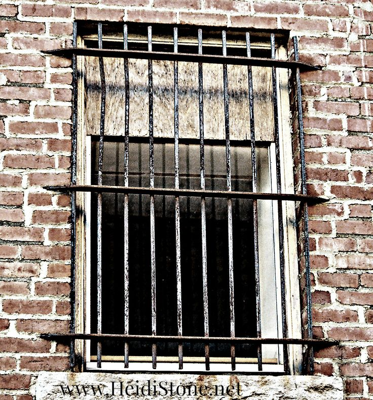 barred-windows.jpg.jpg (1071×1152)