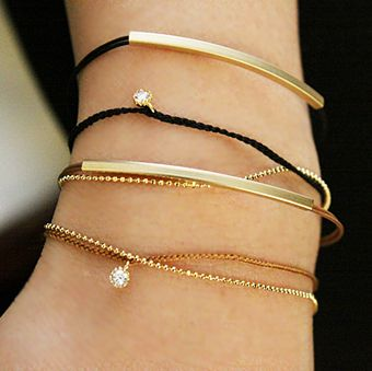Korea jewelry naning9 ★ Korea fashion and how many to avoid / イルレックト * bracelet, metal, cubic, and two-color and intolerance-friendly /a0080062