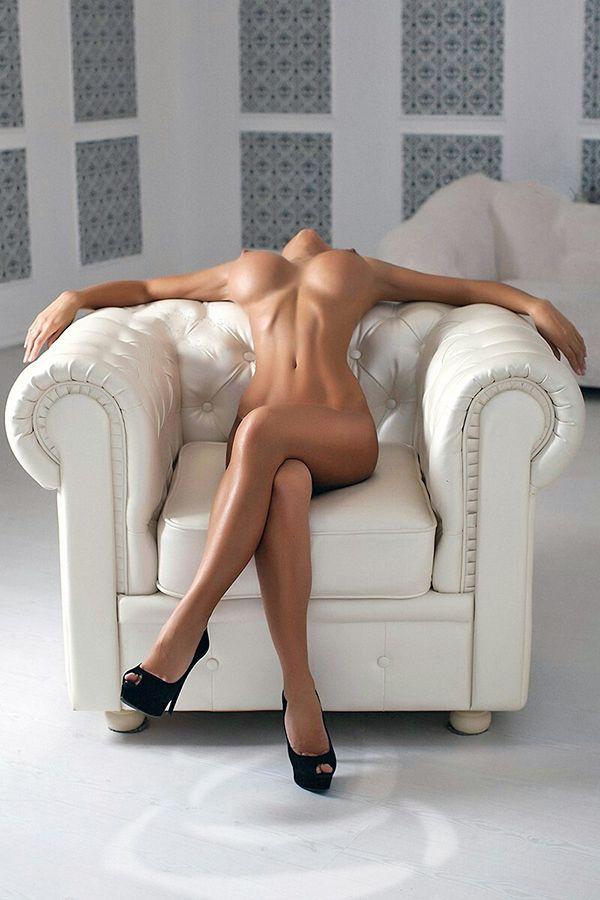 Alla mia dolce ed amata Compagna: questo è ciò che vedo quando ti guardo All images were taken from...