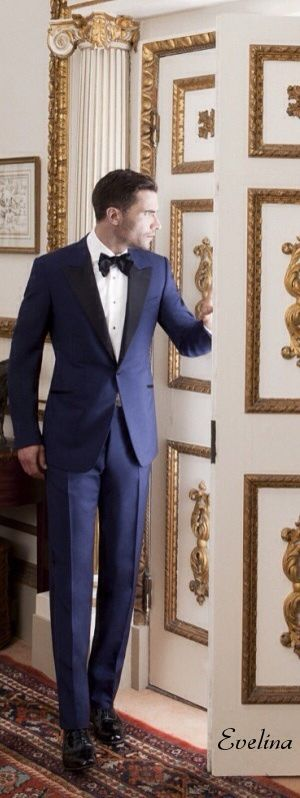 We love a classic black tie look... But what about blue tie? This #navy #tuxedo looks simply dashing. #blacktie