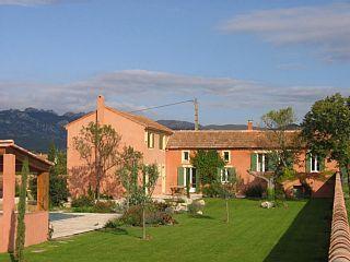 Charmant+mas+avec+piscine+sur+3800m²,+Mont+Ventoux+et+Dentelles+de+Montmirail+++Location de vacances à partir de Ventoux @homeaway! #vacation #rental #travel #homeaway