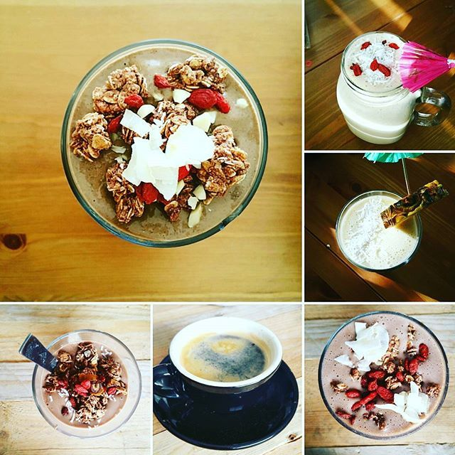 What is YOUR ♦ GO TO Snack? • We love a good protein packed smoothie bowl with all natural ingredients 👌 For the recipe comment below.  #fitness #smoothiebowl #proteinshake #vegan #undenaturedwhey #plantbasedprotein #gojiberries #granola #coffee #perthfitness #fitwomen #wcw #tt