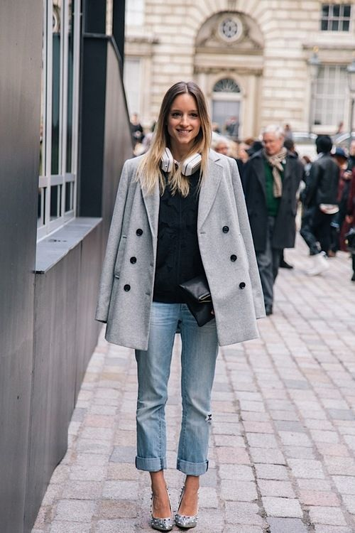 I had pause at first with this look but I actually like the pale denim with the other pieces.