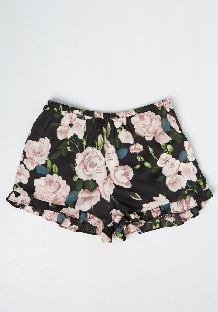 La Zzz en Rose Sleep Shorts. Awake feeling refreshed as ever after a sumptuous sleep courtesy of these Mink Pink sleep shorts! #black #modcloth