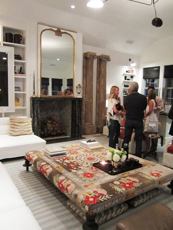 Windsor Smith's fabulous family room in Veranda's House of Windsor. LOVE!