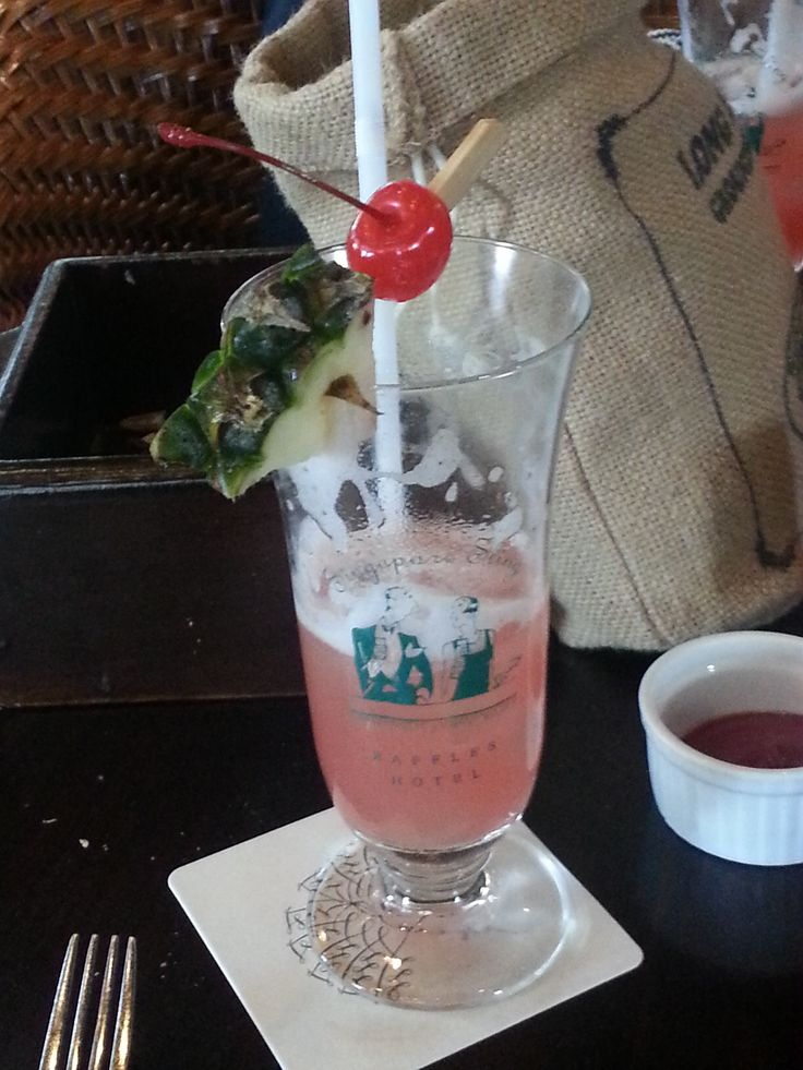Singapore Sling is  bit too sweet for my liking but must be tried.
