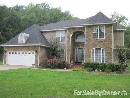 Beautiful 5bd/3.5ba Family Home on 16 acres with pool