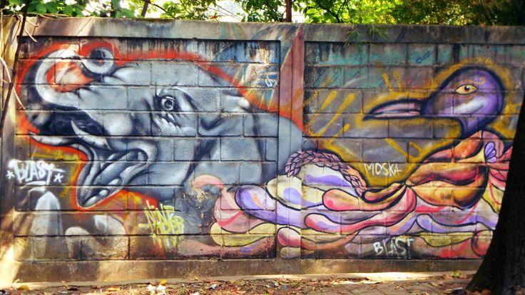 Mural kreatif di kebun binatang Bandung
