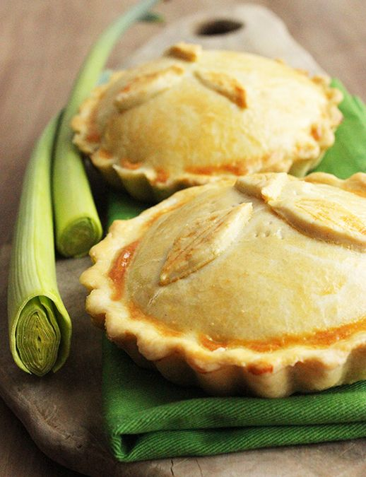 Celebrate Comfort Food at its very best with traditional British classic Chicken & Mushroom Pies. Mini versions make a fantastic appetizer!