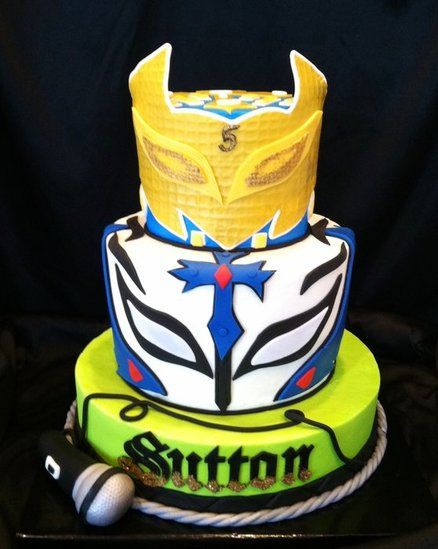 Wrestlers Rey mysterio and sin cara cake