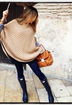 I love the boots, although I prefer hunter boots in brown. Not loving *this* particular poncho but love the color and style just the woven look isn't really my thing. But otherwise love #hunterboots #poncho