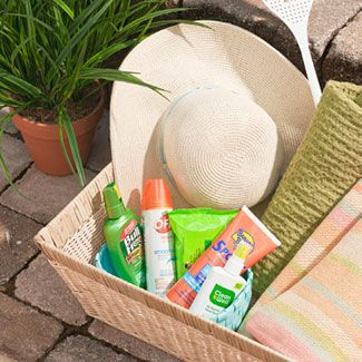 Leave out amenities like sunblock, bug spray, hand wipes, and, if it might turn chilly, light blankets. #party #bbq #memorialdayBugs Sprays, Turn Chilli, Lights Blankets, Backyards Parties, Home Decor, Outdoor Parties, Parties Ideas, Pools Parties, Hands Wipes