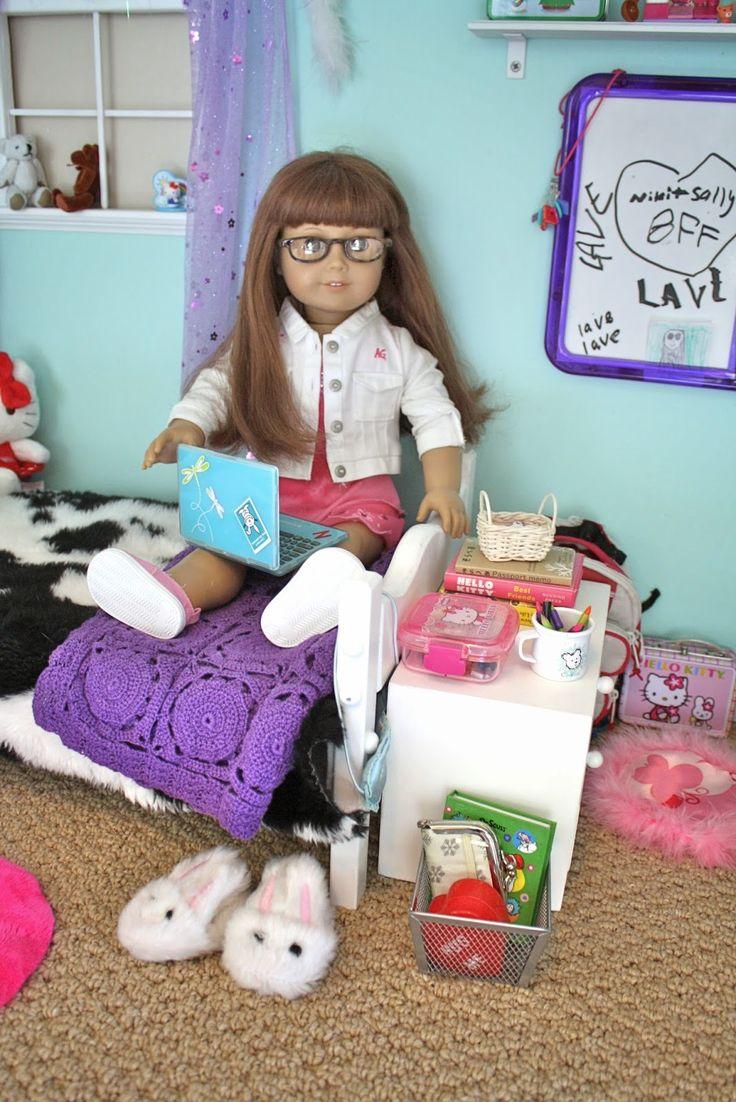 Pippaloo For Dolls: The Dollhouse Tour: Sally's Room
